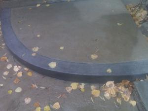 Leaves decorative concrete step